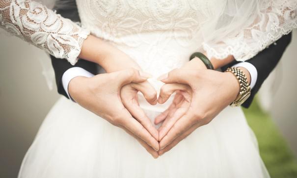 Ежегодно в мае число бракосочетаний в России сокращается