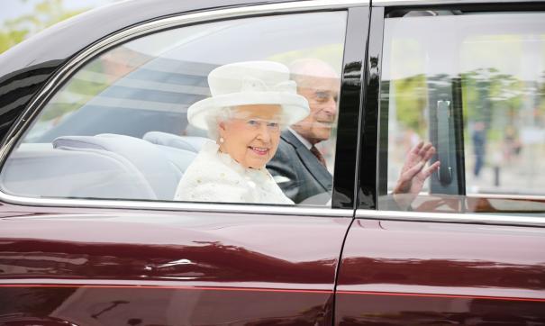 Элитный автомобиль Елизаветы II был продан за 179 850 фунтов