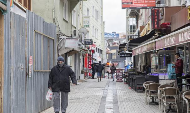 Локдаун в Турции продлится до 17 мая