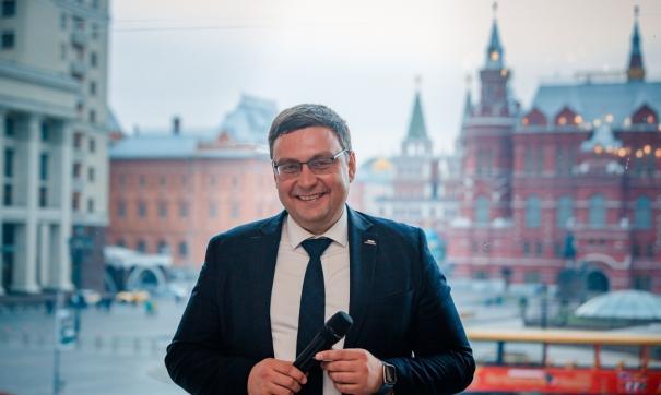 Антон Сериков