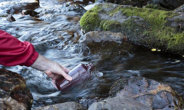 Гигантское мазутное пятно образовалось на камчатской реке