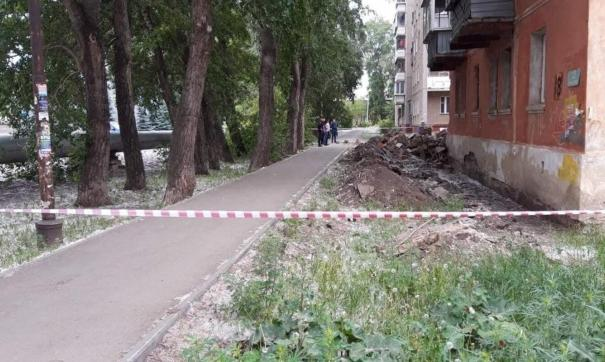 Дом в Челябинска признали аварийным и решили снести после обрушения стены