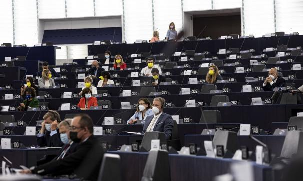 Парламентарии призвали отключить Белоруссию от SWIFT