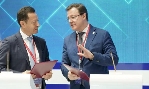 Дмитрий Азаров принял участие в ПМЭФ