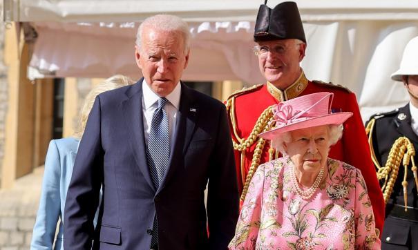 Елизавета II и Байден