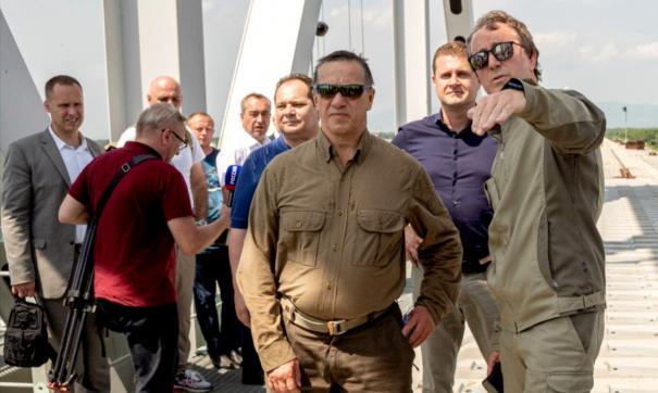 Юрий Трутнев пообещал, что накажет виновных в простое моста