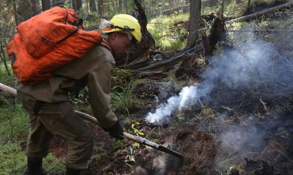 Людей для борьбы с огнем в Якутии не хватает
