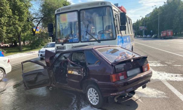 В Кемерове маршрутка с пассажирами попала в аварию