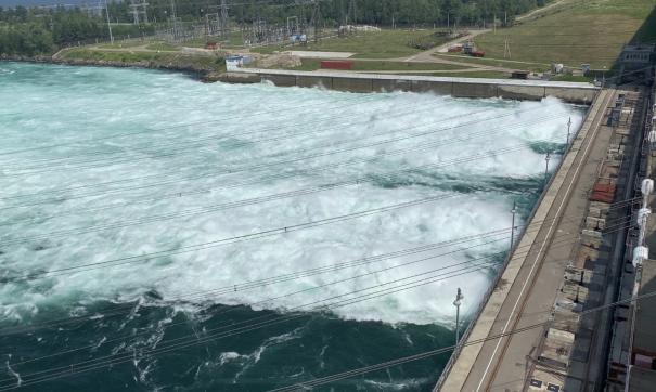 Это уже шестое увеличение водосброса на Иркутской ГЭС с начала года