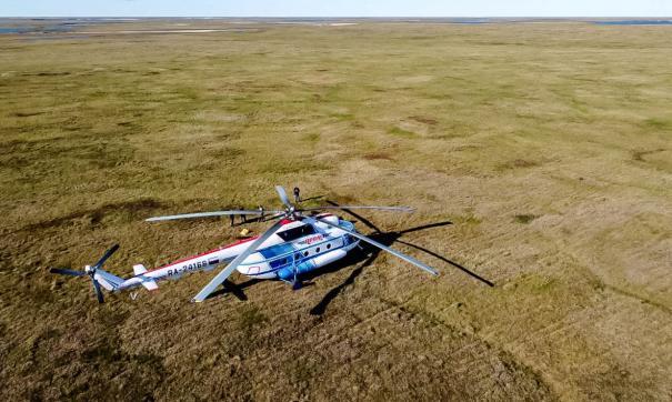 Вертолет в тундре