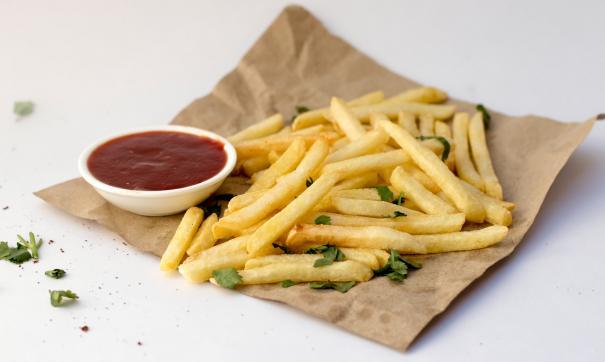 Нью-Йоркский ресторан предложил посетителям картошку фри с золотом за 14 тысяч рублей