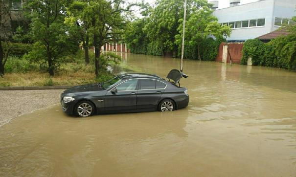 Водителям рассказали, что спасет во время подтопления