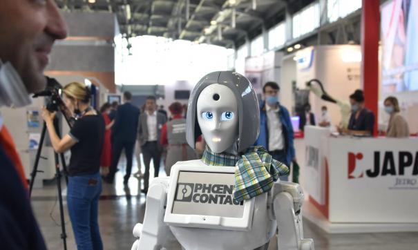 Роботов чаще начинают использовать не только на производстве, но и в повседневной жизни