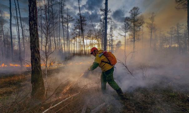 Пожары подобрались к четырем населенным пунктам