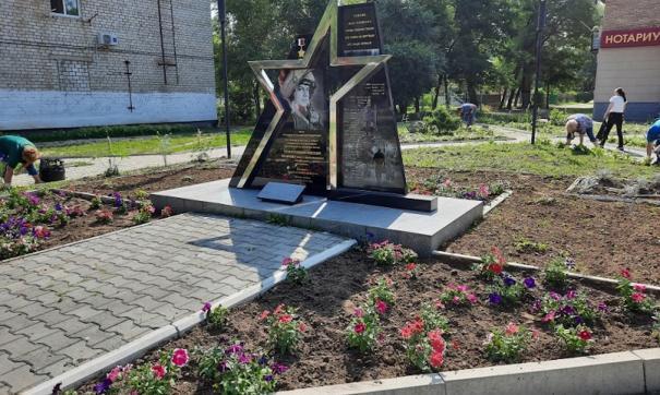 Памятник Герою России Олегу Пешкову установили в Арсеньеве в декабре 2016 года