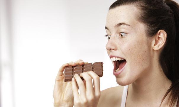 Рекомендовано потреблять не более 56 граммов шоколада ежедневно