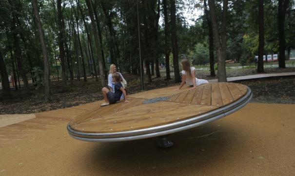 Один из новых аттракционов в парке оказался опасен для маленьких посетителей