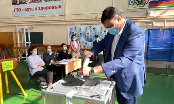 Руслан Болотов побывал на избирательном участке