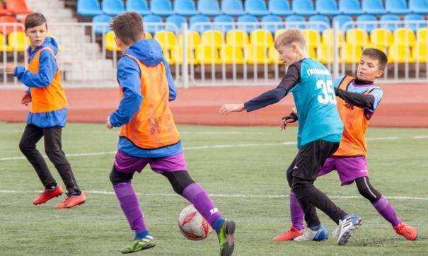 В турнире участвовали 10 команд