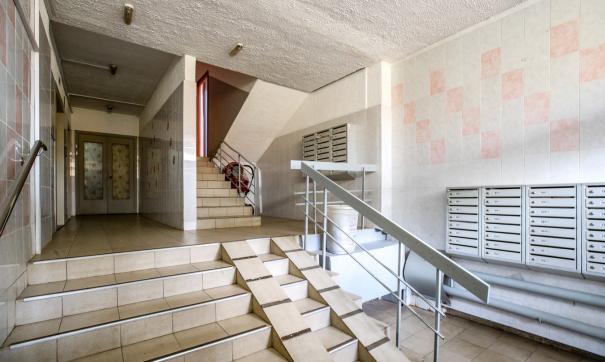 Квартиры в домах, где запланирован ремонт подъездов, начали массово приобретать риэлторы-перекупщики