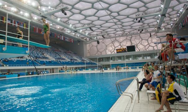Во многих новых спорткомплексах предусмотрены плавательные бассейны