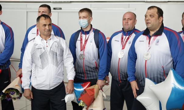 Уральские чемпионы вернулись домой