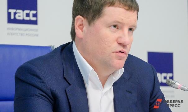 Вице-губернатор Сергей Бидонько голосовал в Верхнем Дубровоо