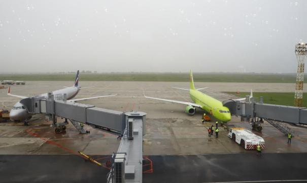 В кемеровском аэропорту сломались тягачи для буксировки самолетов