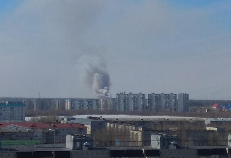 Продолжается нейтрализация горения мусора насвалке под Нижневартовском