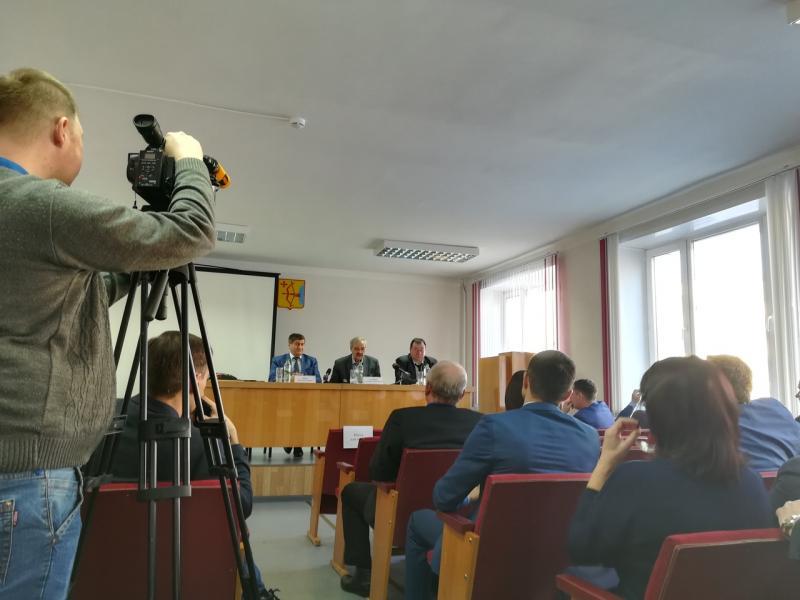«Вы нам изменили». Общественники со второй попытки освободили от должности председателя ОПКО Александра Галицких