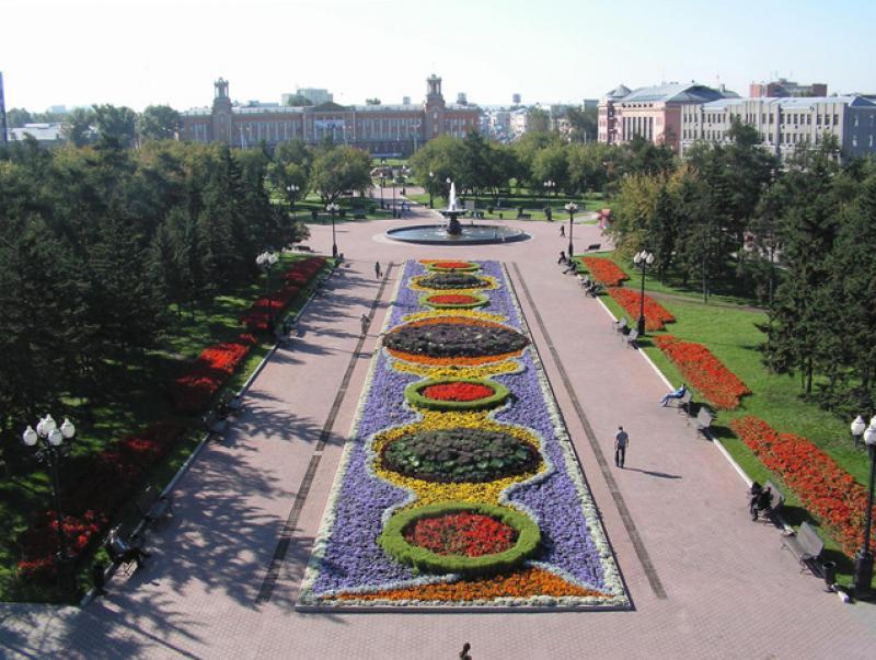 Сквер Кирова, прежде чем приобрести свое революционное название, был площадью Графа Сперанского