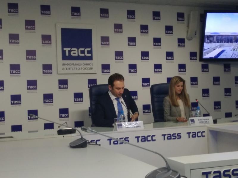 Евгений Янкилевич отметил, что реализации такого важного инфраструктурного проекта хотят все