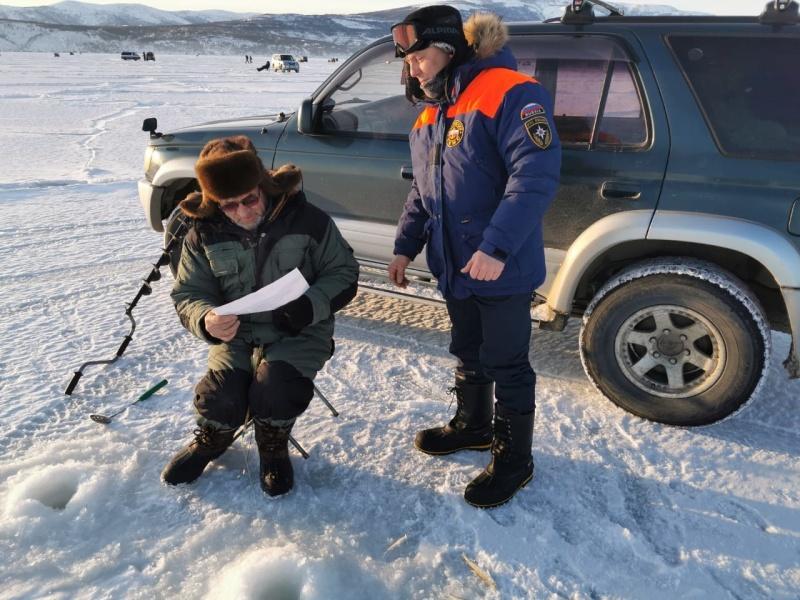 Эвакуация рыбаков с Охотского моря
