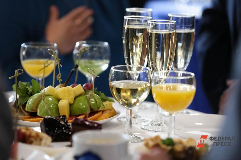 Возвращение продаж алкоголя на заправки, кроме прочего, поможет и в борьбе с распространением некачественного алкоголя