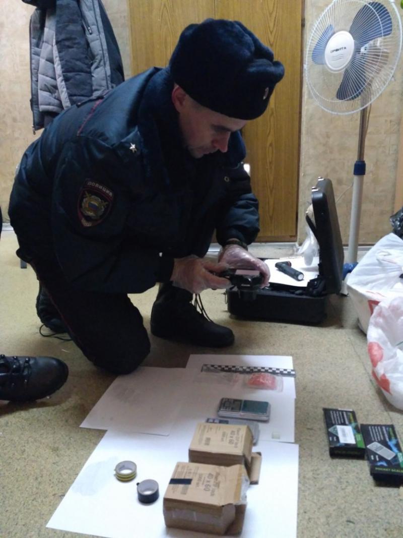 В Новоуральске задержали подозреваемого в торговле наркотиками