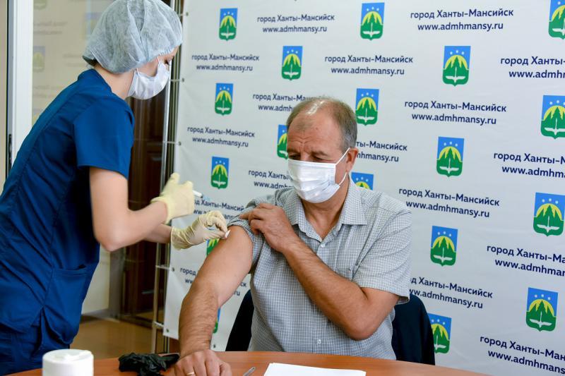 Константин Пенчуков привился от гриппа