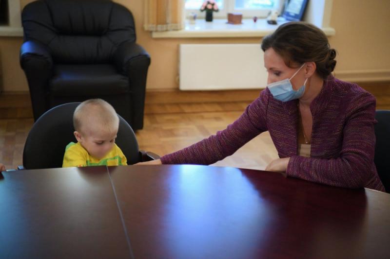 Анна Кузнецова с ребенком