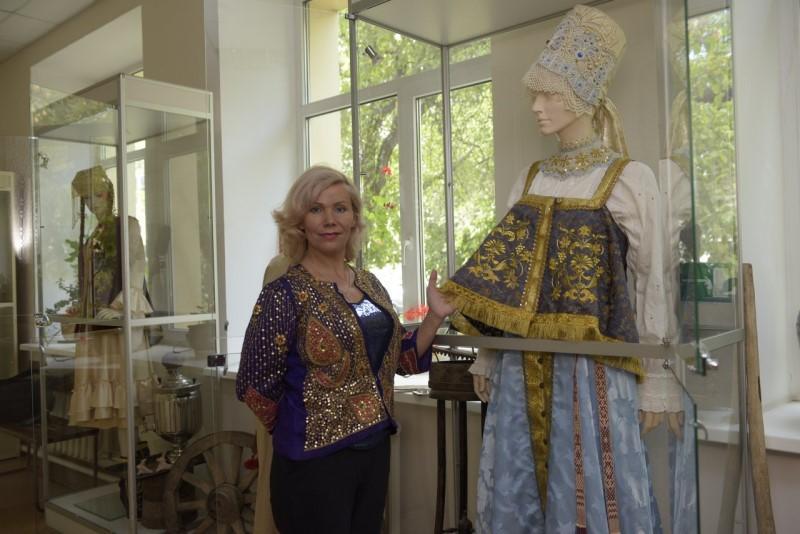 Елена Сулейманова придумала тур, посвященный золотому шитью