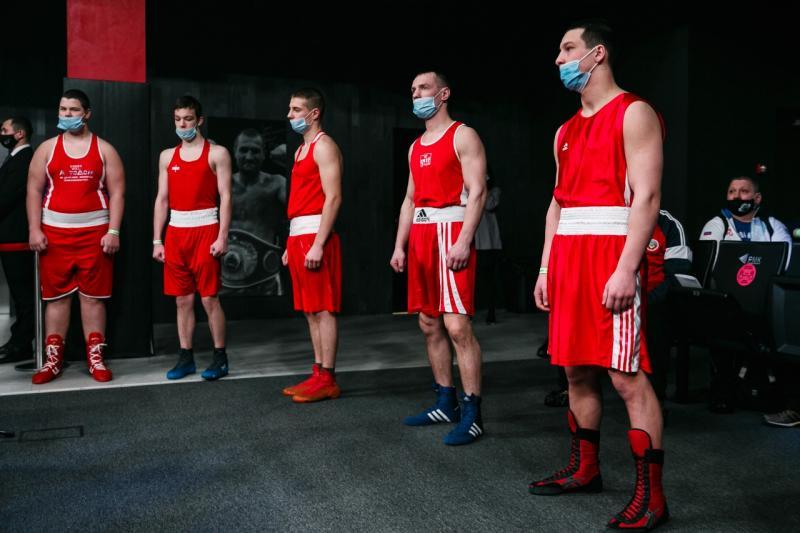 В Екатеринбурге стартовали областные соревнования по боксу