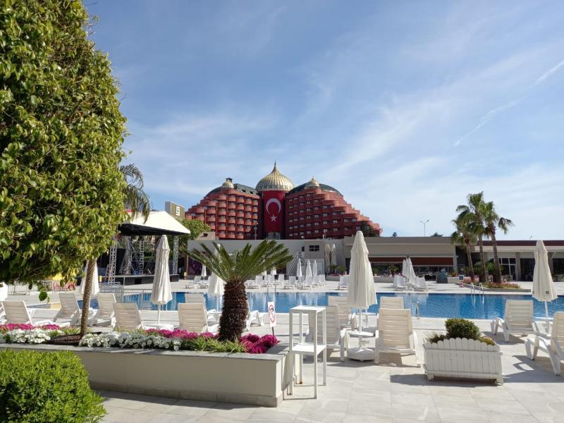 На время ожидания туристов поселили в четырехзвездочный отель