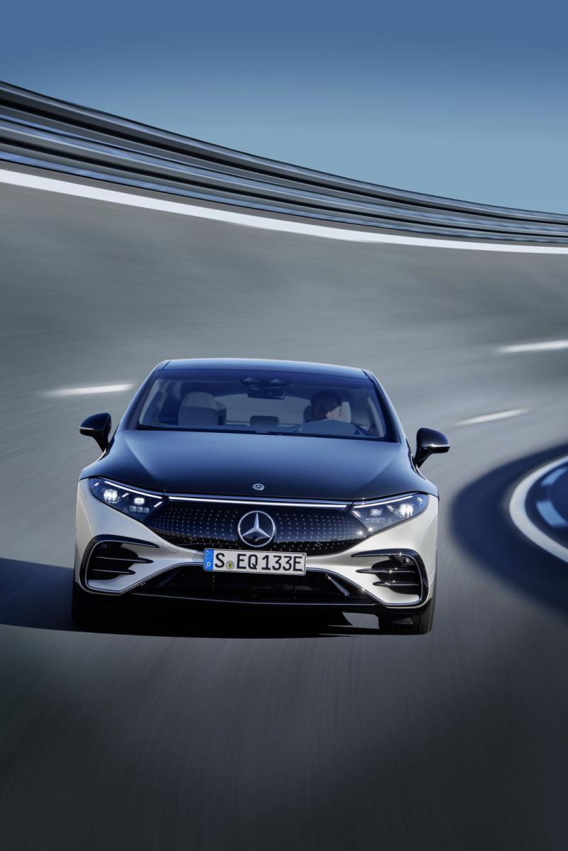 Фото Mercedes-Benz EQS-2