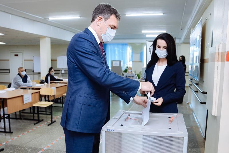 Василий Орлов с супругой