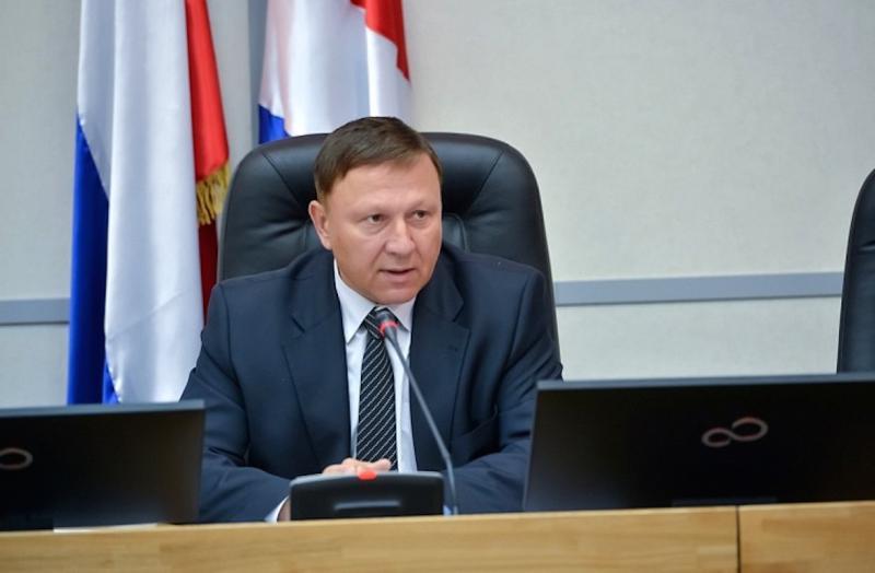 Александр Ролик ограничился дежурными обещаниями
