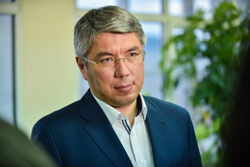 """Цыденов уволил Жалсанова с формулировкой """"по собственному желанию"""""""